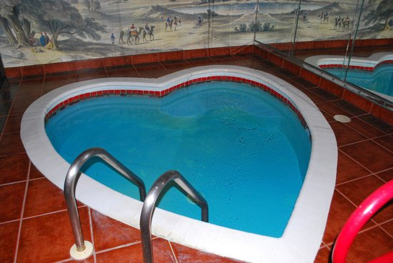 Paradise Stream Resort: Pool in Champagne Towers