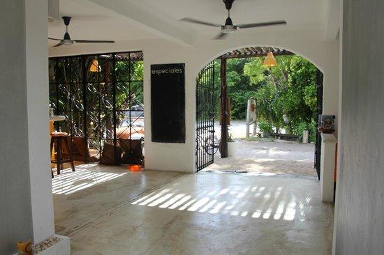 Teetotum Hotel: The entryway