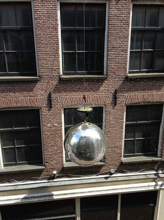 Hampshire Hotel - Eden Amsterdam: Dazzling Disco Ball