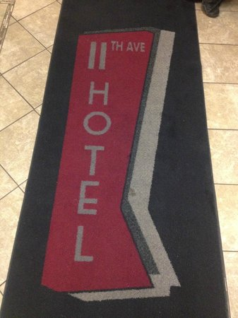 11th Avenue Hotel & Hostel: Entrada