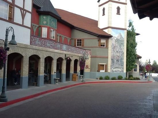 Zermatt Utah Resort & Spa Trademark Collection: entrance area of hotel