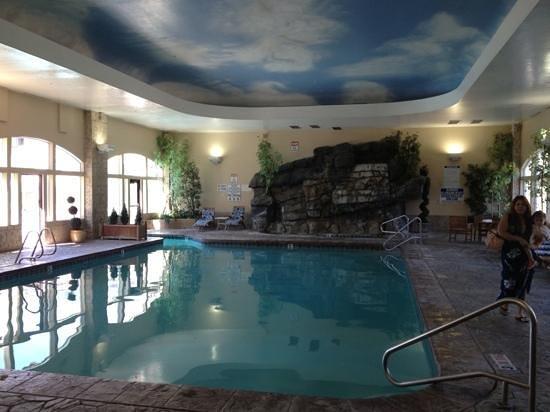 Zermatt Resort & Spa: indoor pool