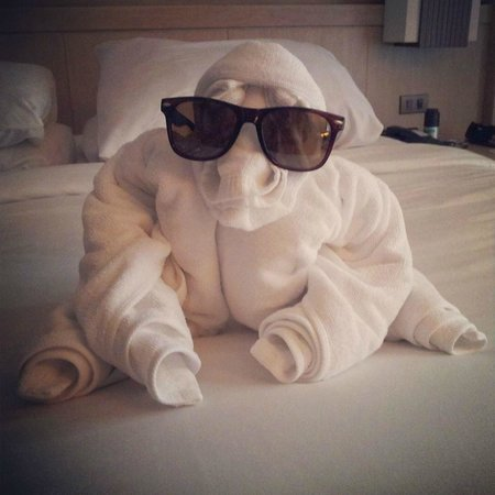 Phuket Marriott Resort & Spa, Merlin Beach: Towel Animal