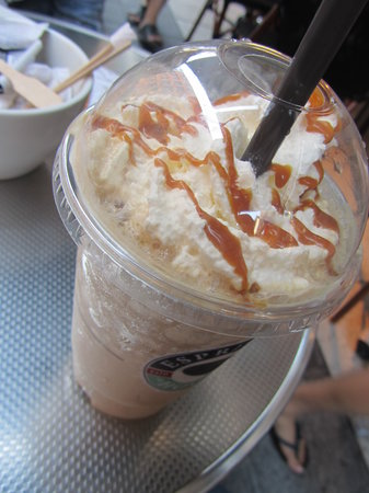 Espresso House: cafe helado con dulce de leche