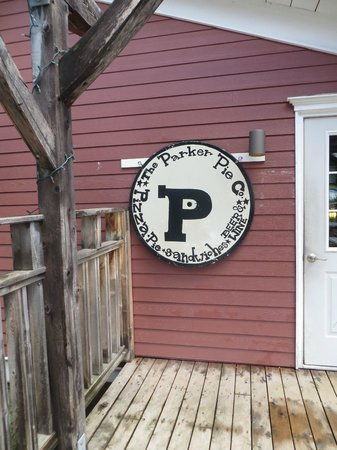 The Parker Pie Co.: oh, there's the sign hidden in the back behind the deck
