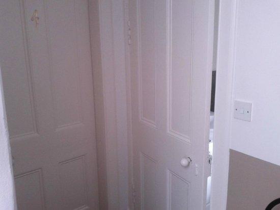 Alva House: Hallway