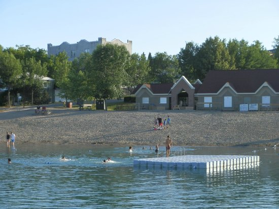 Leisure Inn Hotel : View from water looking at new town houses in Haileybury