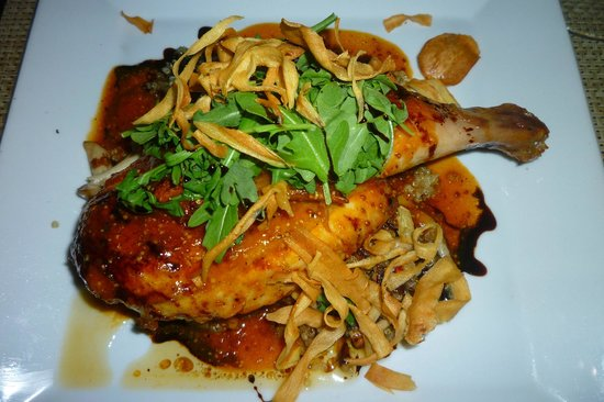 Green Street Restaurant: First-Class Herbed Chicken Breast