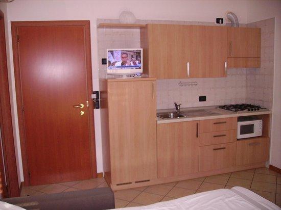 Residence Cigno: kitchen