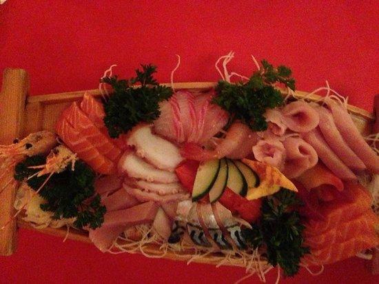 Sushi Te : Sashimi boat