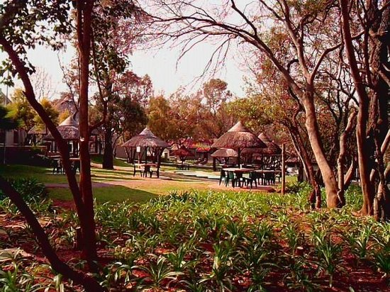 Faircity Roodevallei: Hotel & grounds