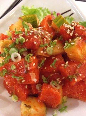 Arigato Sushi: spicy salmon sashimi
