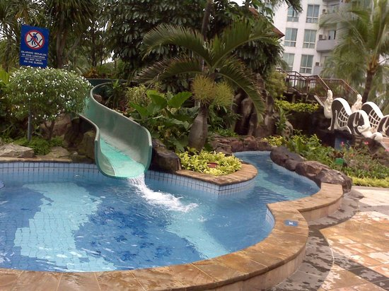 Puri Casablanca Serviced Apartment: Swimming Pool