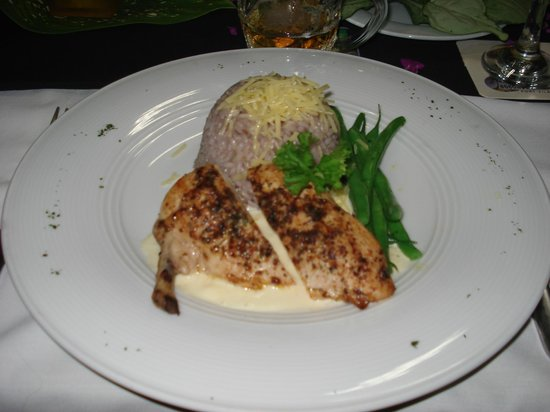 Navara Restaurant : Chicken with mushroom risotto