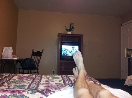 The Old West Inn: kicking back after a long drive...