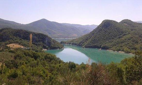 Panorama sul lago di Bomba