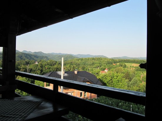 Guesthouse Pavlin: Morning view from the restaurant terrace