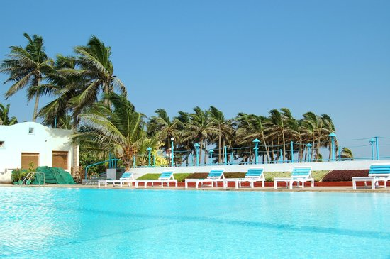 Palm Beach Hotel & Resort: Pool Area