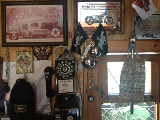 Fifties Corner: harley room