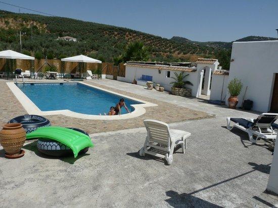 Cortijo Las Olivas: grande piscine à Las Olivas