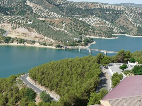 Cortijo Las Olivas: Lac d'Iznajar