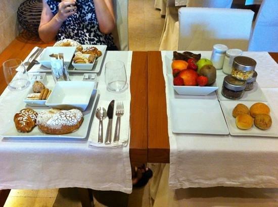 C-Hotel & SPA: El desayuno para dos ofrecido: rico pero reiterativo