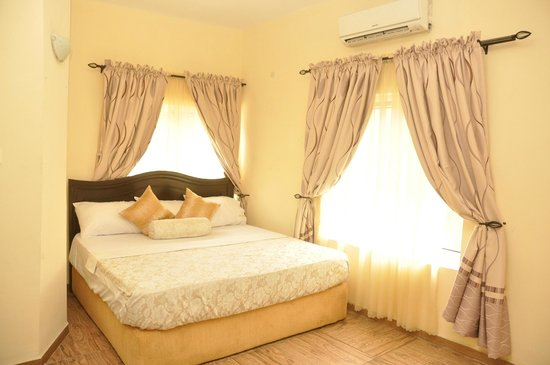 Chez Moi Apartments - Condominium Reviews & Price Comparison ...