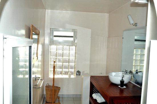 Villa Isoraka: Salle de bain
