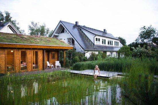 badeteich picture of der muhlenhof middelhagen tripadvisor. Black Bedroom Furniture Sets. Home Design Ideas