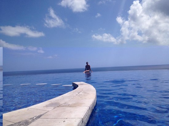 Blue Point Bay Villas & Spa: Awesome Pool