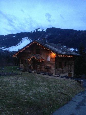 Chalet Alpine Refuge: At dusk