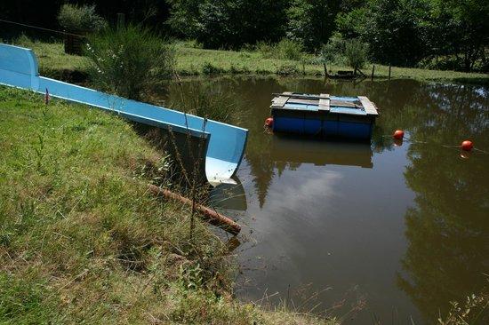 Le Moulin de la Jarousse : l'arrivée du toboggan...