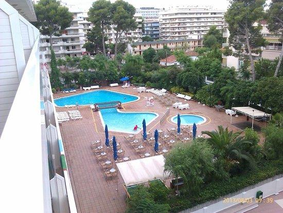 Hotel Marinada: La piscina
