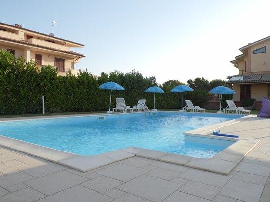 La Casa di Rinaldo Bed&Breakfast: La piscina