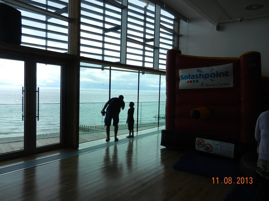 Splashpoint Leisure Centre: Bouncy castle/glass/balcony/kids=??