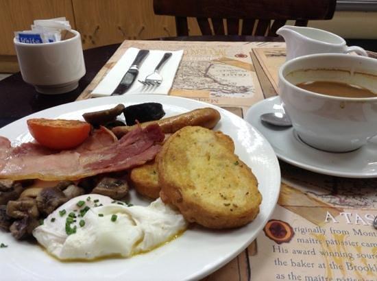 Paris Bakery and Pastry : irish breakfast