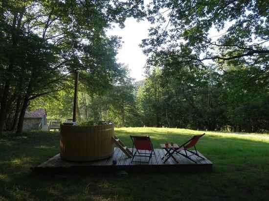 bain nordique photo de les cabanes de pyr ne cazarilh. Black Bedroom Furniture Sets. Home Design Ideas