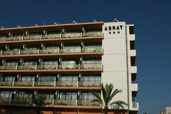 Abrat Hotel : vista dalla piscina