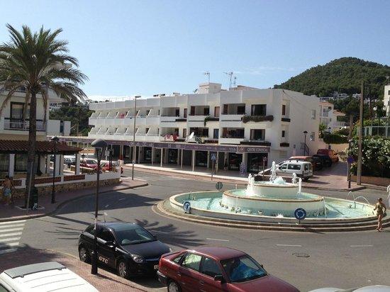 Apartamentos Cala Llonga Playa: dal balcone