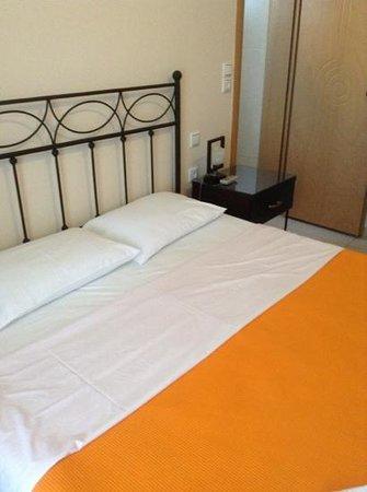Stelios Place : room 1