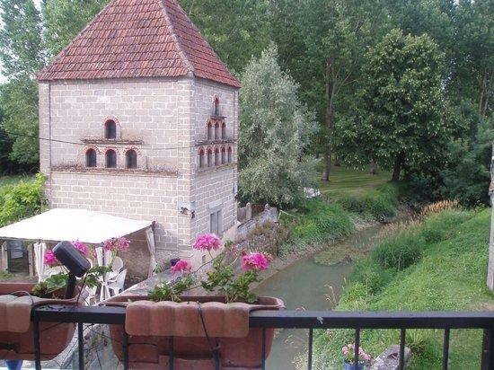 Moulin de Salazar: room with a view
