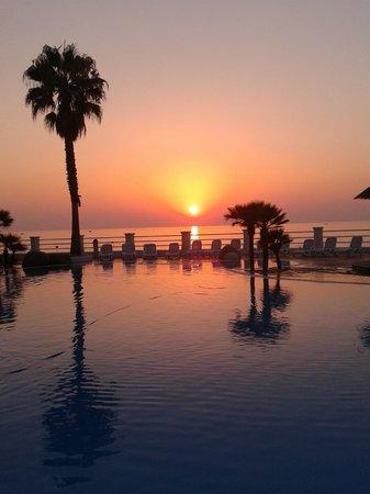Fresh tramonto sfondo sfondo italiano for Sfondi desktop tramonti mare