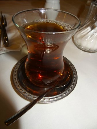 Aspendos: tuerkischer Tee