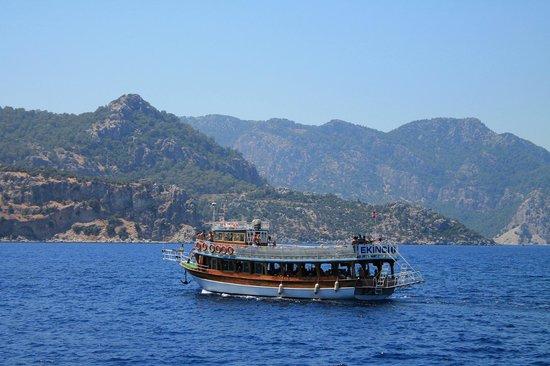 Fortuna Beach Hotel: Apollo boat trip