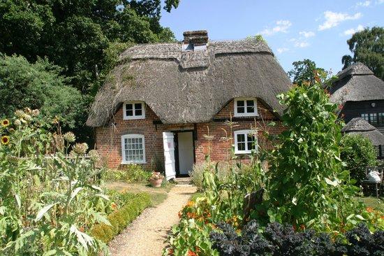 Furzey Gardens: Cottage (mini museum)