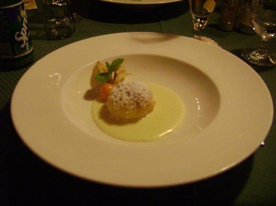 Enzian Hotel: 1 van de vele lekkere desserts