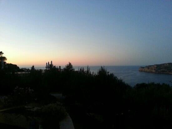 Hotel Sa Pedrissa: sunset views over the sea
