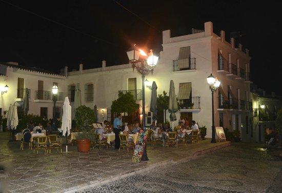 La Taberna del Sacristan: Plaza de la Iglesia | Frigiliana, 29788 Frigiliana, Espagne