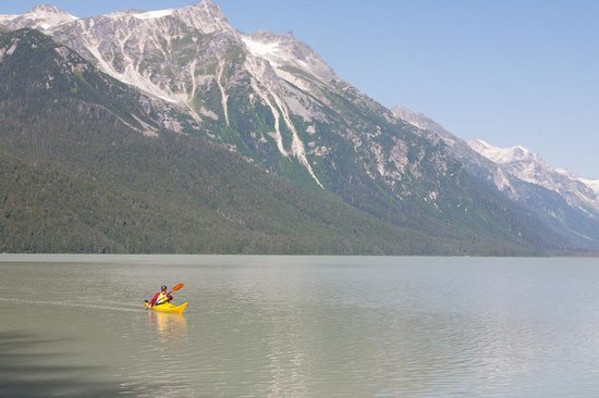 Chilkoot Haven: Paddling on Chilkoot Lake