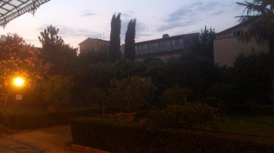 Casa Santo Nome di Gesu: Vista del jardin